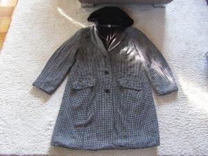 Manteau à capuche noir-blanc acrylique