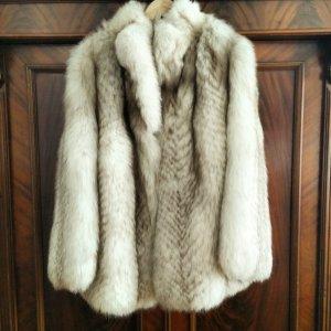 Mantel aus echt Pelz