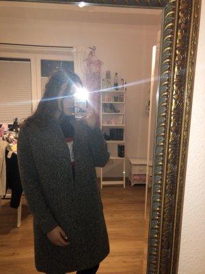 Mantel grau