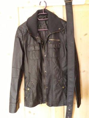 Mantel im Bikerlook
