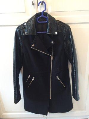Mantel im schwarz von Zara