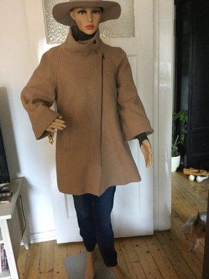 Zara Abrigo corto beige-camel