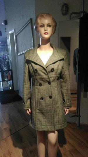 Mantel Lolé aus New York