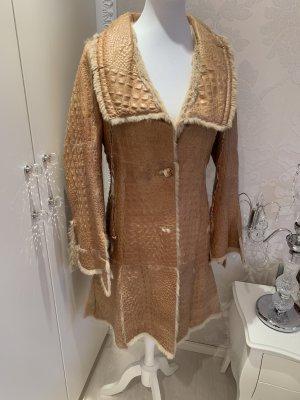 Mantel mit Fell drinnen  Firma Marinella braun neuwertig gr 36