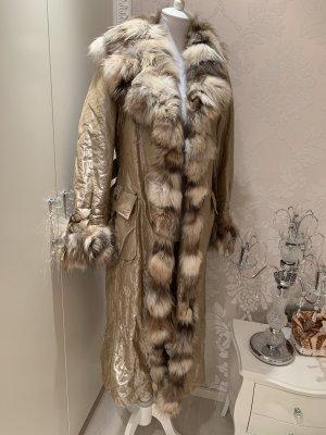 Mantel  mit Fuchspelz von Sonia Fortuna Firenze  36/38 leicht und warm der Mantel