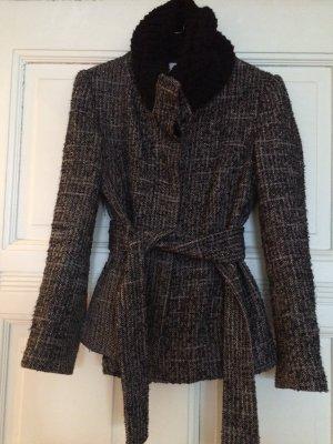 Mantel mit Kragen und tailliertem Gürtel
