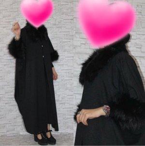 Mantel mit schwarzem Kunstfell