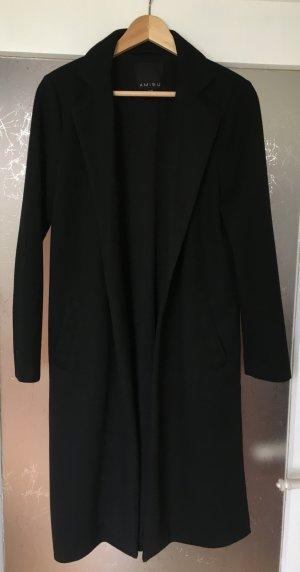 Mantel mit seitlichen Schlitzen
