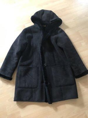 Cappotto in eco pelliccia nero