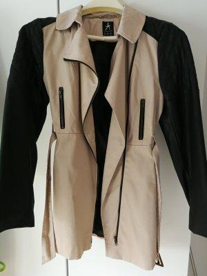 Mantel puderfarben mit Lederärmeln