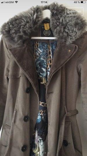 Mantel von Blonde No. 8