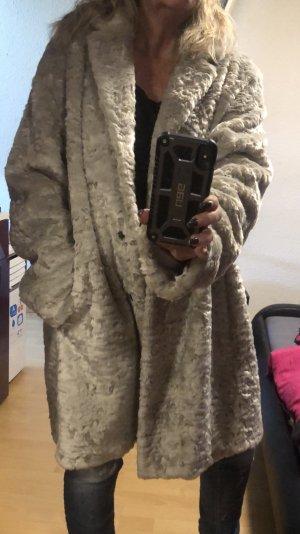 Mantel von Fuchs Schmitt aktueller Fake Fur Look