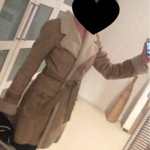 Mantel von Only mit Ledergürtel
