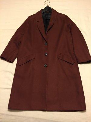 Mantel von Zara Minimalismus Stil