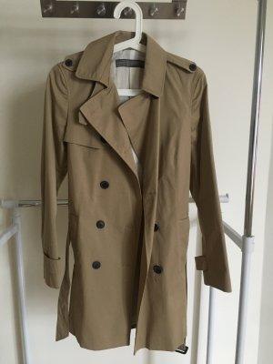 Mantel von Zara mit Etikett