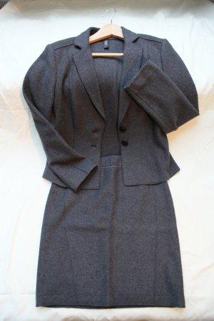 MARC CAIN Essentials: Gewalktes Kostüm in grau, reine Wolle, Größe N3 (38)