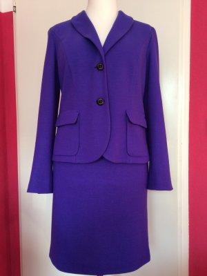 Marc Cain Kostüm aus reinem Wolljersey in violett
