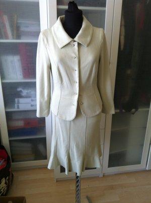 MARC CAIN Kostüm Gr. 36 mit Perlen aus Wolle top