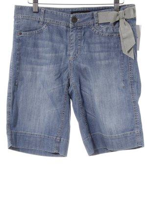 Marc Cain Shorts azul celeste look casual