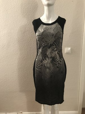 Marc Cain Sports Kleid Größe rausgeschnitten 40 ( N3 ? )