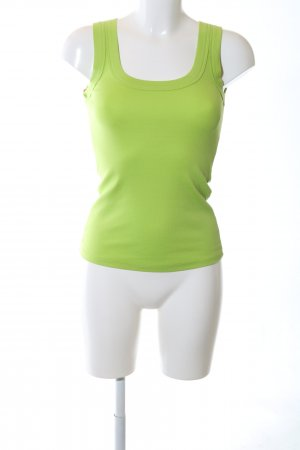 Marc Cain Top de punto verde look casual