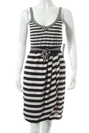 Marc Cain Trägerkleid schwarz-wollweiß Streifenmuster Street-Fashion-Look