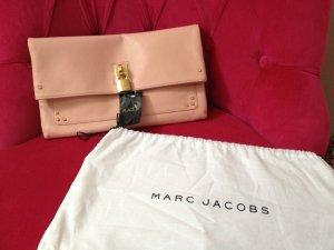 Marc Jacobs Rosa Lammnappa Clutch mit Nieten und Schloss