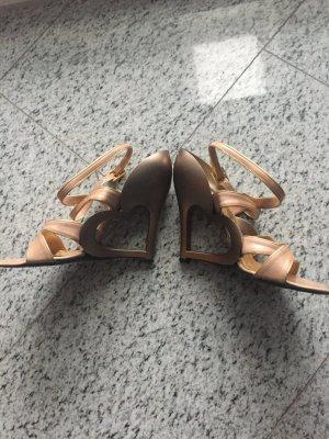 Marc Jacobs Sandale mit Metalabsatz