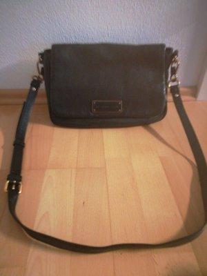marc jacobs tasche leder schwarz mit gurt sehr guter zustand selten getragen