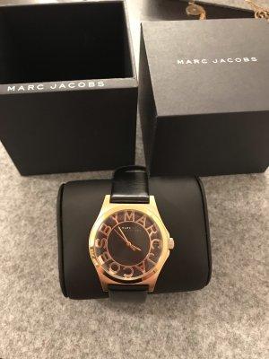 Marc by Marc Jacobs Montre avec bracelet en cuir noir-doré
