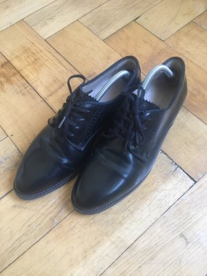 Marc O'Polo Wingtip Shoes black