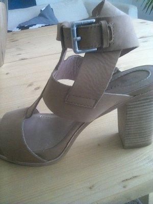 High Heel Sandal light brown leather