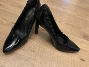 Marco Tozzi Pointed Toe Pumps black