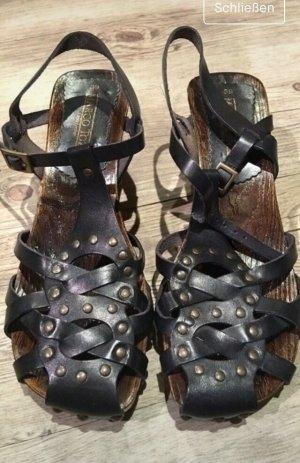 Marco tozzi Keilabsatz Sandalen mit Nieten Riehmchen neu
