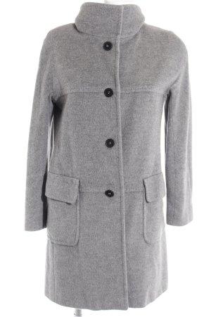 Marella Abrigo corto gris look casual