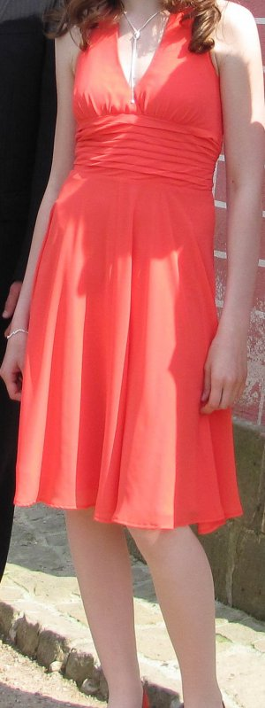 Marie Lund Kleid in Lachs