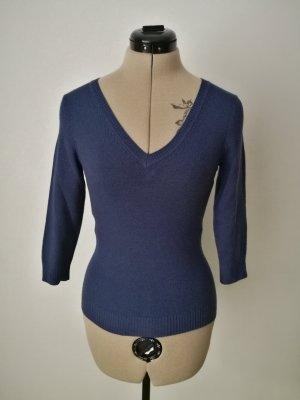 Marineblauer Pullover mit V-Ausschnitt