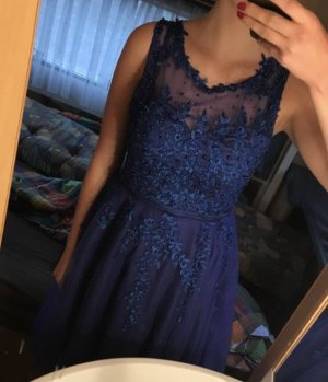 Marineblaues Kleid von Beauty-Emily