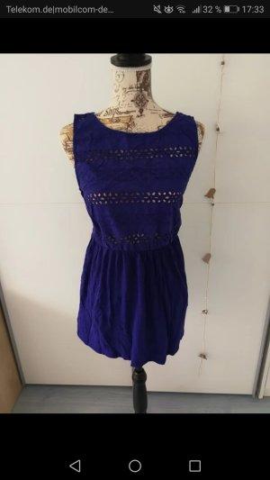 Marineblaues Sommerkleid