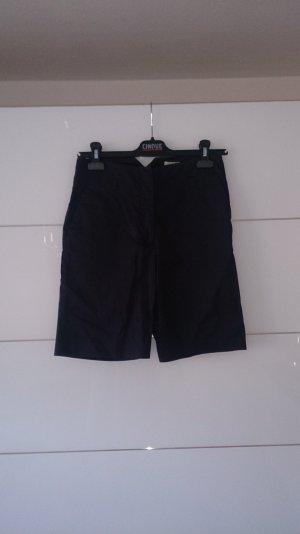 Marinefarbene Bermuda-Shorts