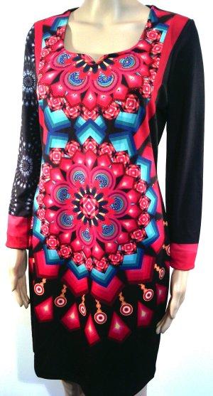 Markanntes Kleid von 101 idees, Etuikleid mit Sexy Ausschnitt