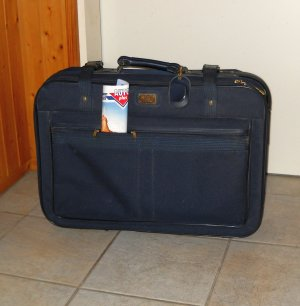 Suitcase dark blue-blue synthetic fibre