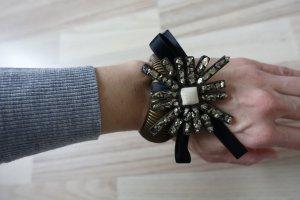 MARNI Armband aus bronzefarbenen Metallband und einem Stern aus silberfarbenen Steinchen !!