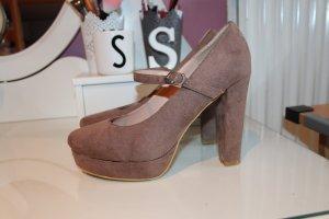 Mary Jane Schuhe beige