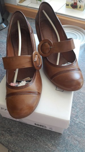 Mary-Janes in Cognac