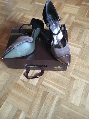 Zapatos de tacón con barra en T multicolor
