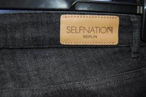 massgeschneiderte jeans von SELFNATION BERLIN
