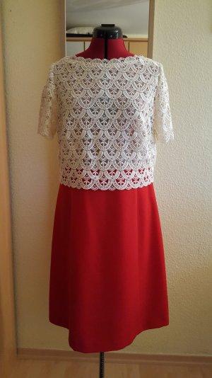 Massgeschneidertes Kleid