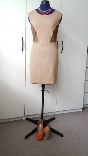 Massimo Dutti dress, size 34 + matching shoes, size 37 and necklace