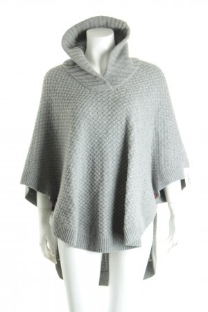 Massimo Dutti Strickponcho grau Street-Fashion-Look